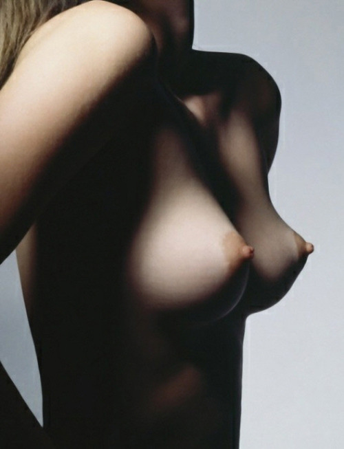 reachtheshore:  perfect nipples and breasts