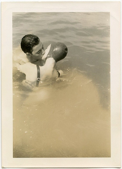 loverofbeauty:  Bathers kissing 1930's