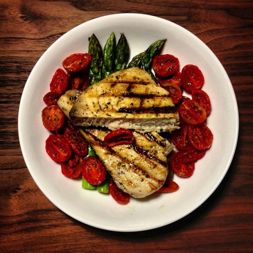 #Dinner - Swordfish Steak with Asparagus & Oven Dried Plum Tomatoes #nomnomnom #food #health #diet #nofilter