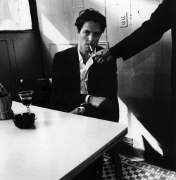 smokingissexy:  Hugh Grant