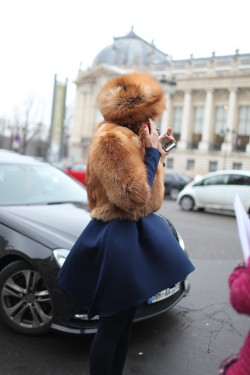 womensweardaily:  They Are Wearing: Paris Couture Week Photo by Kuba Dabrowski  Fur!