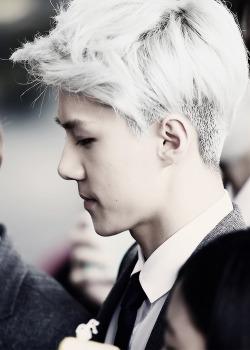random MY EDIT exo sehun urghhhh silver hair sehun he better have his hair up later