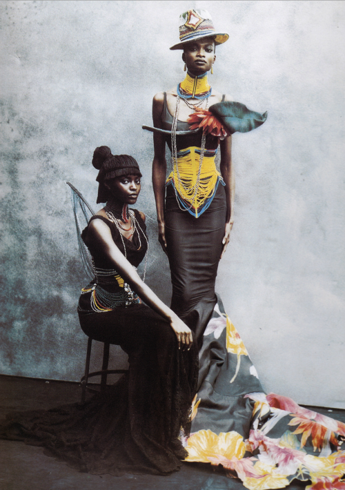 hautekills:  Couture Clash, Kiara Kabukuru and Debra Shaw by Irving Penn / Vogue US April 1997