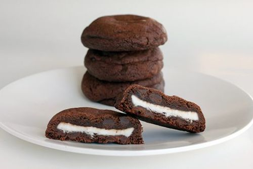 Things that will make you fat: Double mint stuffed chocolate chip cookies Oh lord have mercy that looks good. Recipe here