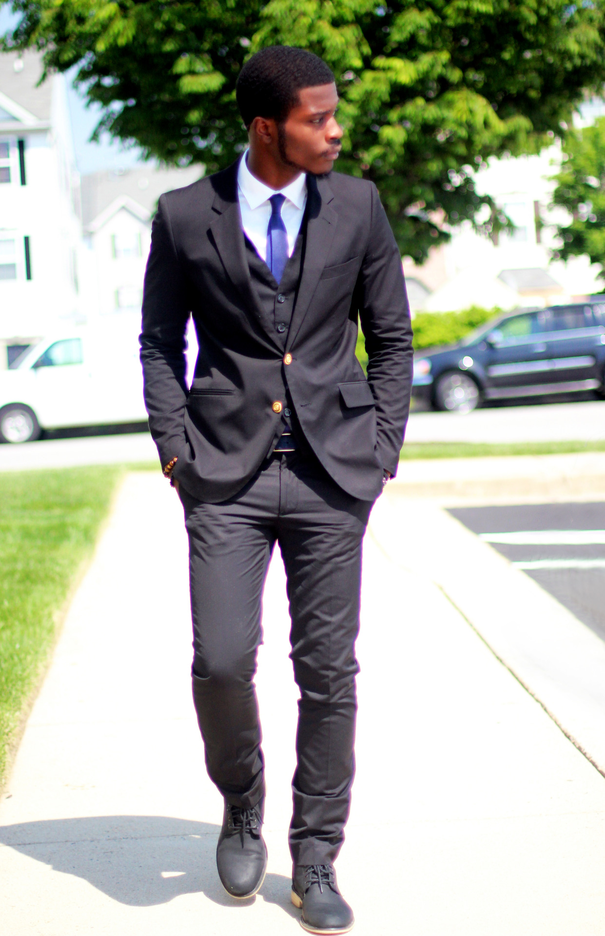 "raatfashion:  ""Blue tie"" Instagram: @raat_fashion"