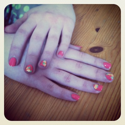 Roses for my girl Lauren! #nails #nailart