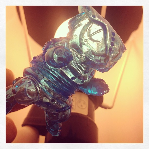 #maxtoy clear Mecha Necoron #sofubi is so beautiful.