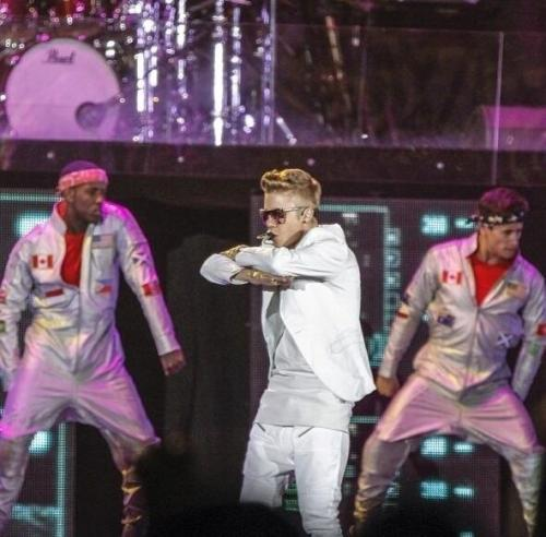 bieber-news:  Justin performing in Johannesburg tonight (May 12)