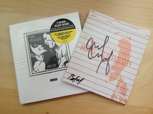 aliceinthetempleofpearlgarden:  My copy of Above deluxe edition Signed by Mike McCready and Barrett Martin when this arrived it was the greatest day ever