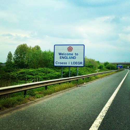 Welcome to England! #home #border #severnbridge #england #welcomeback #croeso #roadtrip #englishrose