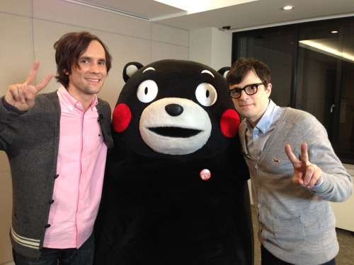 yuzu0319:  Kumamon with Rivers Cuomo  Meeemories… make me want to go baaack there
