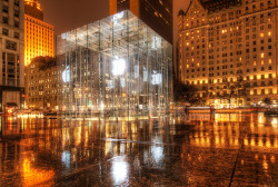 justsomeb0i:  Apple Store in New York City.