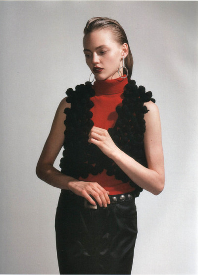 vibratingvoid:  Sasha Pivovarova by Anuschka Bloomers in i-D September 2005