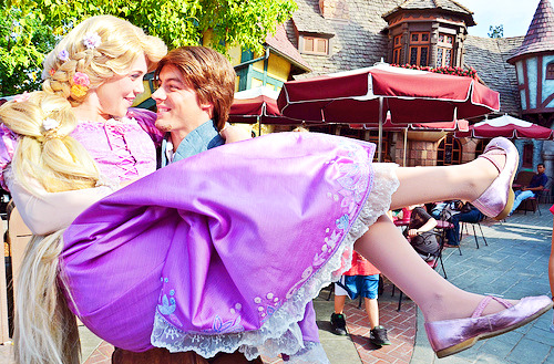 disneyendlessmagic:  disney—w0nderland:  Rapunzel and Flynn by EverythingDisney on Flickr