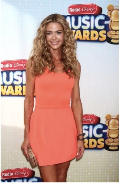 Actress Denise Richards has come back into the news lately due to comments about her low weight. However, Denise sat down with Extra! recently to debunk any rumors. Click the pic for the story.