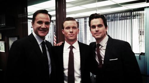 @Warren_Kole Hiding out in NYC with the FBI. @WhiteCollarUSA. #Gentlemanthievery pic.twitter.com/svGPwXwngJ