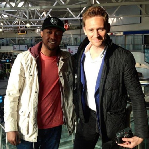 "inspired-by-hiddles:   ""Me and Tom Hiddleston at Budapest Airport. We had a great convo about upcoming movies and traveling, top guy #tomhiddleston #avengers #thor #loki#hollywood#moviestar#behavingransom#jetsetta #2013"" by Malawa Hashim"