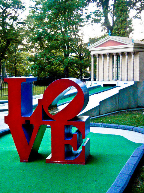 Mini Love Statue & Art Museum at Franklin Square Putt-Putt (by Laura Swartz pompomflipflop)