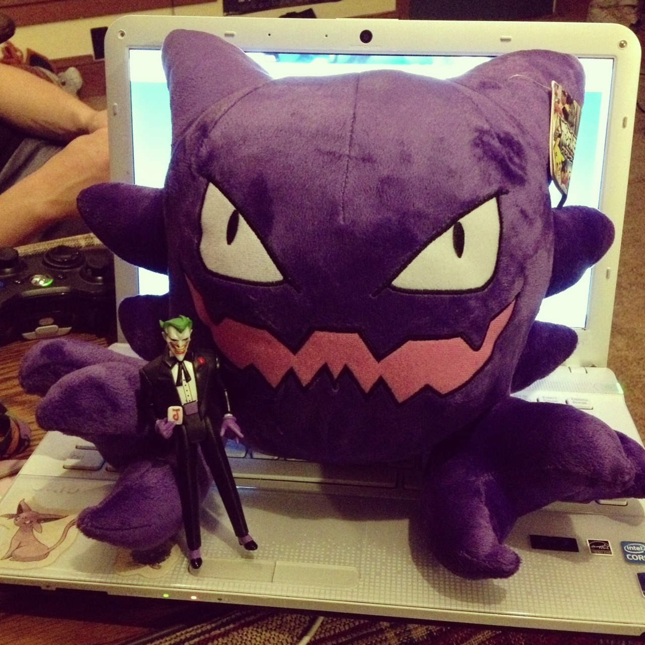 Jared gave me two early birthday presents. A huge plushy haunter and a joker action figure to add to my collection. :D