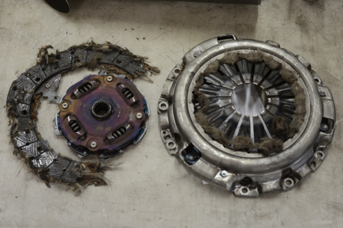 that911:  chadbee:  LOL This is what I did to my factory clutch at the track. Rev matched the 4th to 3rd downshift, clutch went to the floor and the motor just free rev'd. Oops! Sorry Z car! hahha  Damn!  Jesus.