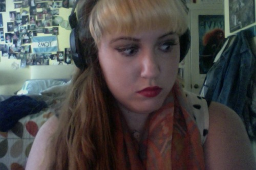 i look like some alt whore that only listens to the shins
