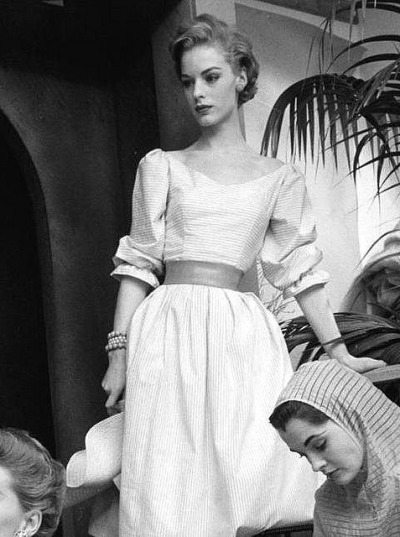 theniftyfifties:  1950s fashion.