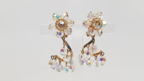 dangle chandelier earrings | Tumblr