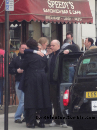 sunshinesoo:  Martin Freeman hugged Benedict Cumberbatch after the filming.