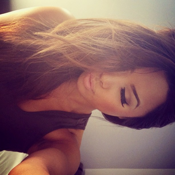 #beauty #beautiful #girl #brunette #makeup #flawless #eyelashes #tan