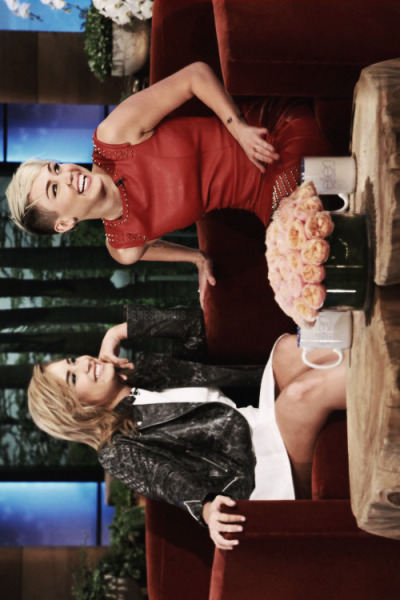 demetriattacks:  Miley Cyrus and Demi Lovato on the Ellen Degeneres Show