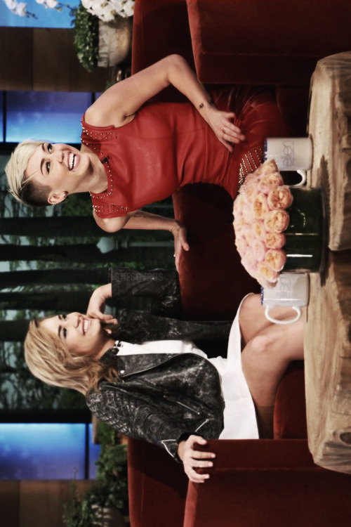 shescyrus:  Miley Cyrus and Demi Lovato on the Ellen Degeneres Show