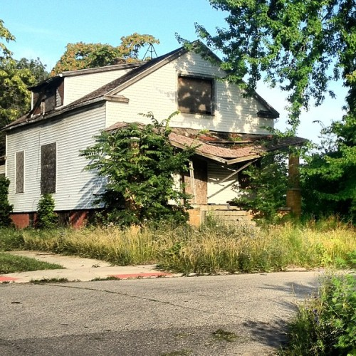 #broken #brokenhouse #detroit #igersdetroit #fixdetroit