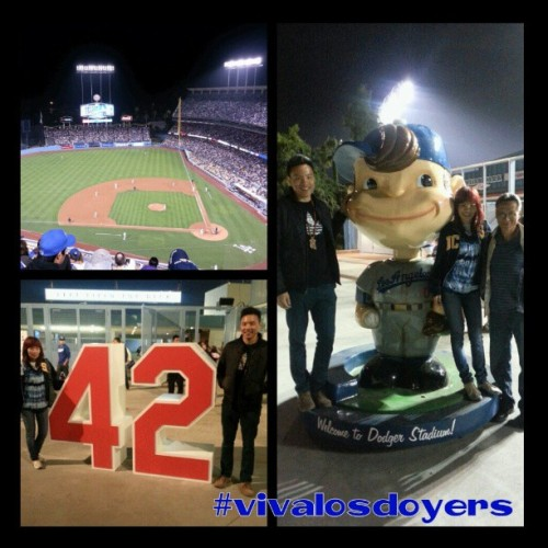Night out with the coolest cats I know #timefordodgerbaseball #vivalosdoyers #beastmode  (at Dodger Stadium)