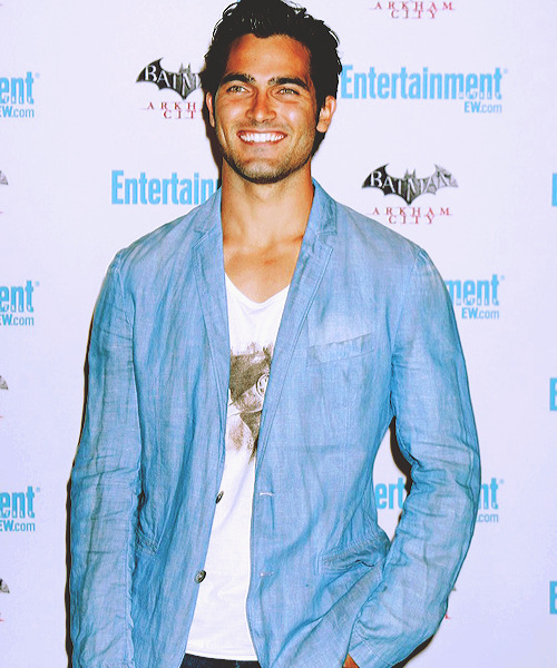 captainthoechlin:   eye candy » the tyler hoechlin edition » 10/∞.