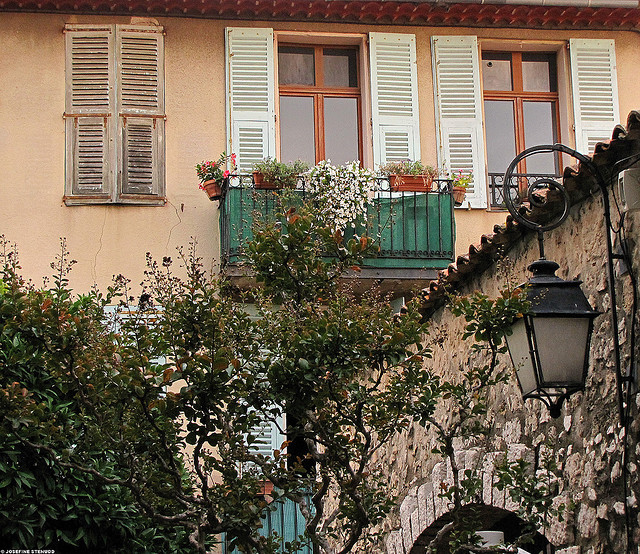 | ♕ |  une belle maison à Antibes  | by © ratexla