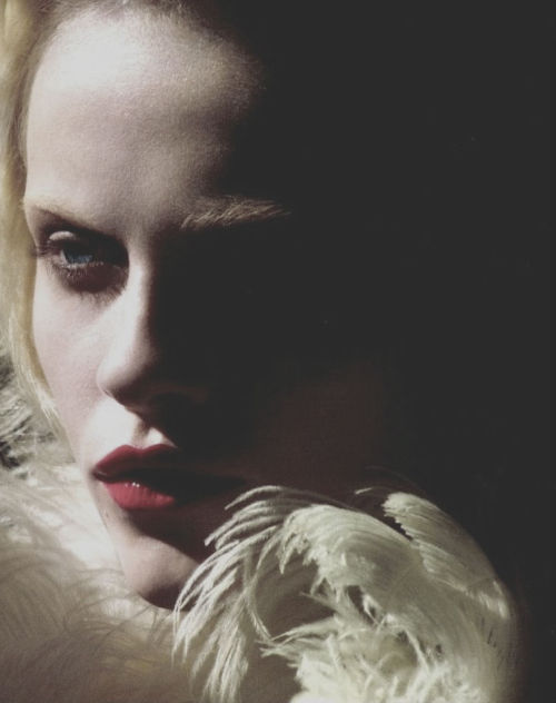 notordinaryfashion:  nomecalles:  Ginta Lapina by Sean & Seng, Numero #133 May 2012  Beautiful