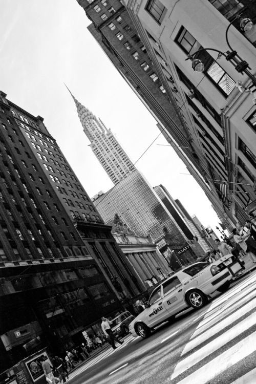 black-and-white:  Chrysler Building (by Chris_Hortsch)