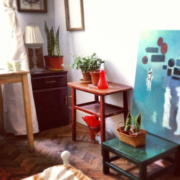 This table I bought from trash man on the street only for 20rmb #table #vintage #shanghai #shanghaioldfashion #coffetable #sidetable #recycle #ecofriendly #wood #old #flowertable #workstation #paintingtable #paintingstudio #myapartment