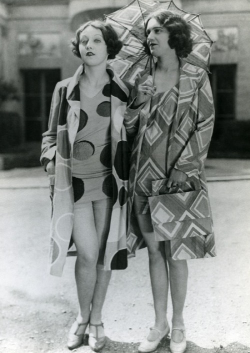 rrosehobart:  A bit of fashion by Sonia Delaunay : pinterest.com/worldstreams/sonia-delaunay