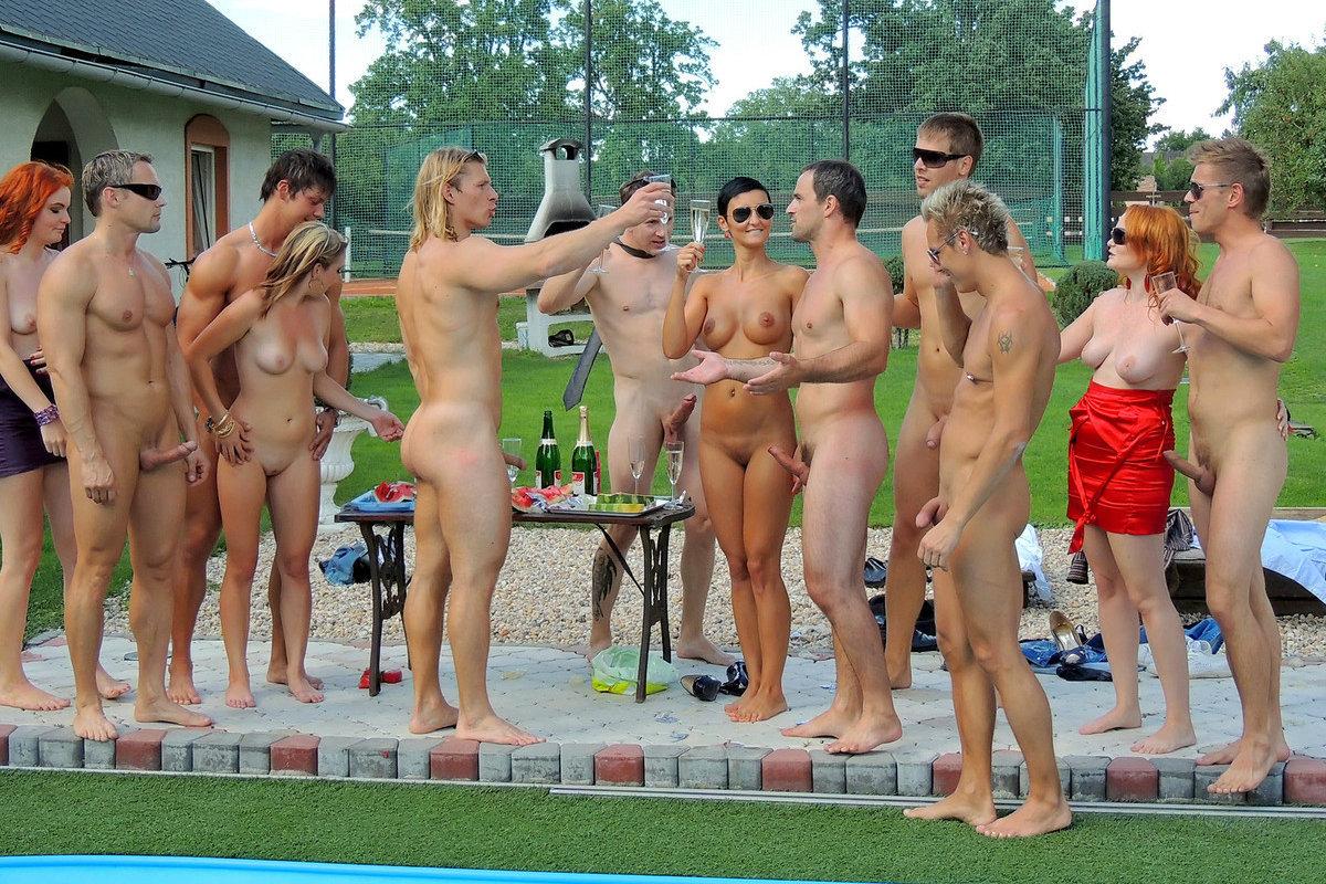 Bi pool party