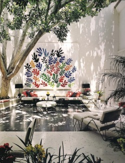 just-good-design:  Francis Brodi House, with Henry Matisse ceramis mural. Los Angeles.
