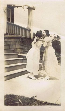 fewthistle:  A Kiss To Build a Dream On. Early 1900's.
