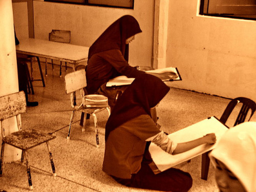 [Flickr] Muslim women learning art at a local Muslim Art School (somewhere in South East Asia).
