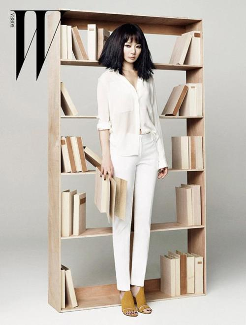 W Korea Model: Bae Doo Na April 2013