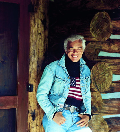ralphlauren:   1988: RALPH LAUREN IS HONORED BY THE AMERICAN FOLK ART MUSEUM  The American Folk Art Museum (formerly known as The Museum of American Folk Art) honors Ralph Lauren with an award for pioneering excellence in American style  Well deserved