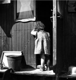 varietas:  Tibor Honty: From the Circus Caravans Series (Girl in Caravan Doorway)  1940