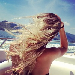 Summer summer summer … I want to feel light breeze in my hair, the sun on my skin and the lightness and the little butterflies in my soul…