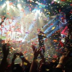 restless-valour:  Last night #adtr #jeremymckinnon #sick #greatnight