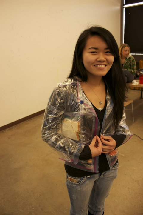 warulv:  pixelnuggets:  j4ya:  MY FRIEND DIANE MADE A ZIPLOC BAG JACKET  she is the future  SNACK JACKET SNACKET