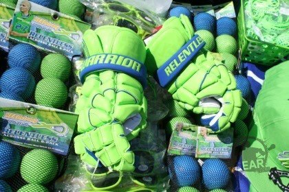 New headstrong Mac Daddy 4 gloves? Are these going to be commercially available? EDIT: Found out yes, they will be sold.